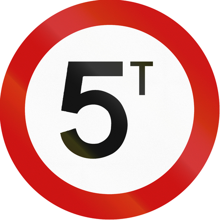tons: Greek traffic sign prohibiting throroughfare of vehicles with a weight over 5 metric tons. Stock Photo