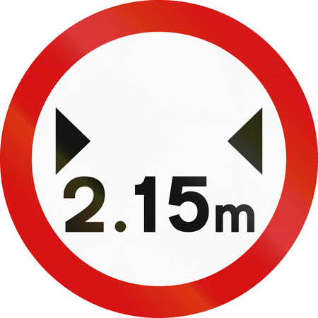 width: Irish sign prohibiting thoroughfare of vehicles with a width over 2.15 meters.