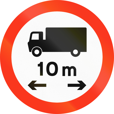 thoroughfare: Bangladeshi traffic sign prohibiting thoroughfare of lorries with a length of 10 meters.