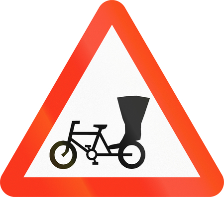 ciclos: Warning sign in Bangladesh: Cycles And Rickshaws Using The Road Ahead Foto de archivo