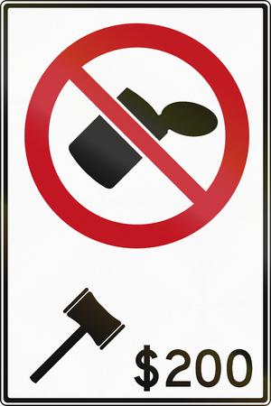 botar basura: Tirar basura se�al de tr�fico prohibido en Canad�, la multa es de 200 d�lares. Este signo se utiliza en Ontario. Foto de archivo