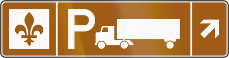 moving images: Guide and information road sign in Quebec, Canada - Truck parking right ahead Stock Photo