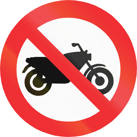 thoroughfare: Chilean sign prohibiting thoroughfare for motorcycles.