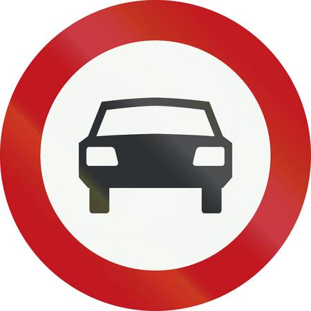 A Dutch prohibition sign - No cars.