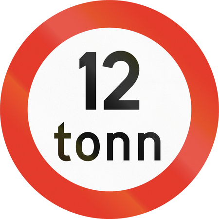tons: Norwegian regulatory road sign - No vehicles over 12 tons. Tonn means ton.