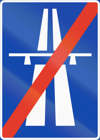 multiple lane highway: Norwegian regulatory road sign - Motorway ends.