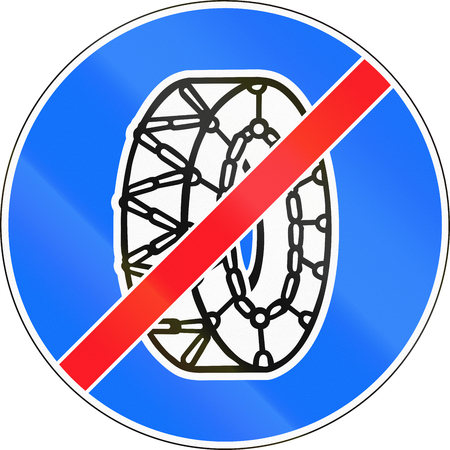 snow chain: Road sign used in Switzerland - End of snow chain requirements. Stock Photo