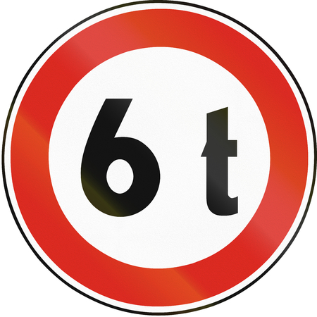 tons: Road sign used in Slovakia - Weight limit. Stock Photo