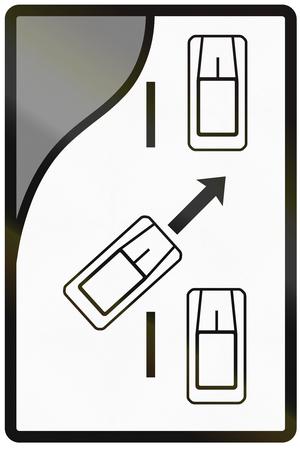 alternating: Road sign used in Slovakia - Merge ahead.