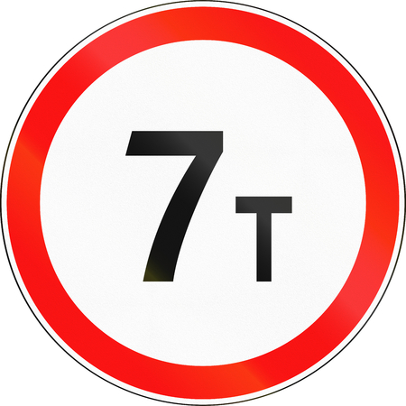 tons: Road sign used in Russia - Weight limit. Stock Photo