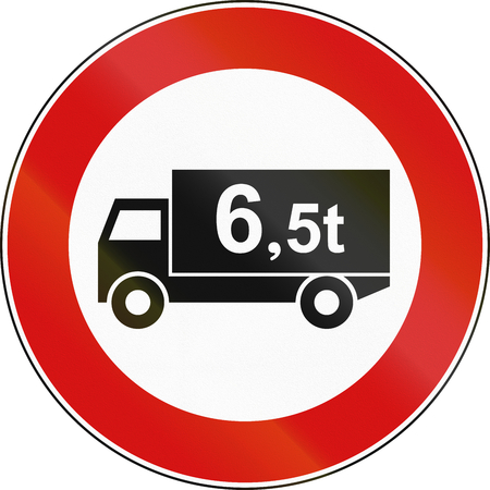 tons: Road sign used in Italy - vehicles over 6.5 tons not allowed.