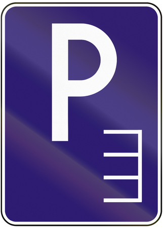 perpendicular: Road sign used in Slovakia - Parking perpendicular.