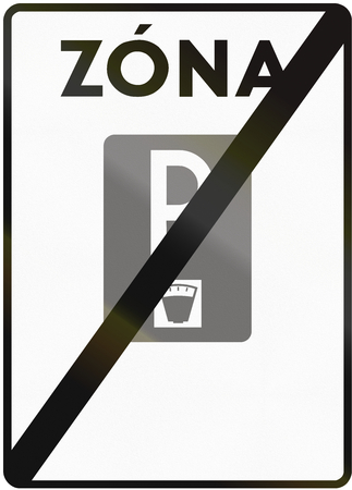 means to an end: Road sign used in Slovakia - End of the paid parking area. Zona means zone. Stock Photo