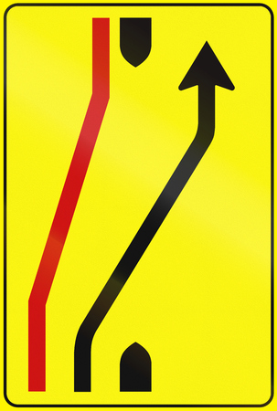 information median: Road sign used in Italy - Road deviation ends.