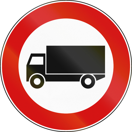 tons: Road sign used in Italy - vehicles over 3.5 tons not allowed.
