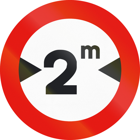 width: Road sign used in Spain - Width limitation.