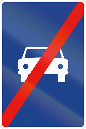 end of the road: Road sign used in Spain - End of the lane reserved for cars.