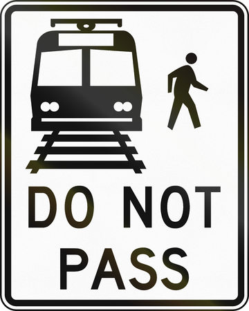 no overtaking: United States MUTCD road sign - Do not pass. Stock Photo