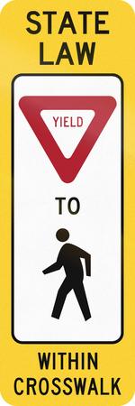 paso peatonal: Estados Unidos MUTCD la carretera de cruce signo - Ceda el paso a los peatones.