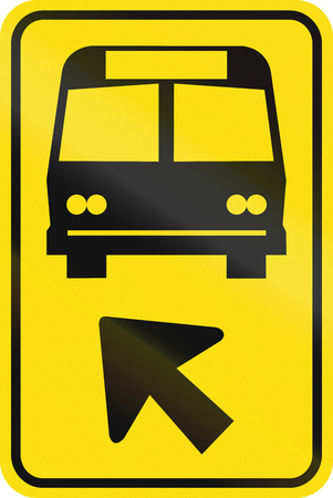 turn yellow: Road sign used in the US state of Minnesota - Bus lane.