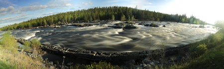 Panoramisk lång exponeringsskott av Ammerans flod. Stockfoto
