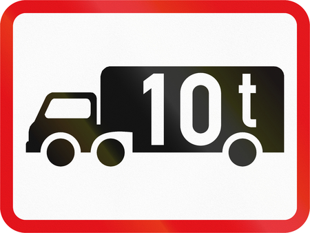 tonnes: Road sign used in the African country of Botswana - The primary sign applies to goods vehicles exceeding 10 tonnes GVM. Stock Photo