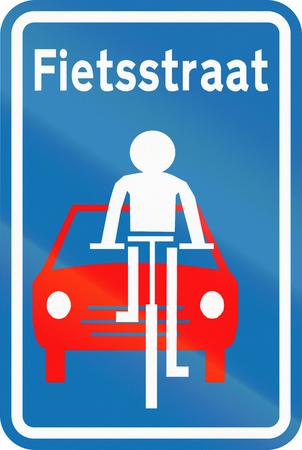 boulevard: Belgian regulatory road sign - Beginning of Fietsstraat (bicycle boulevard).