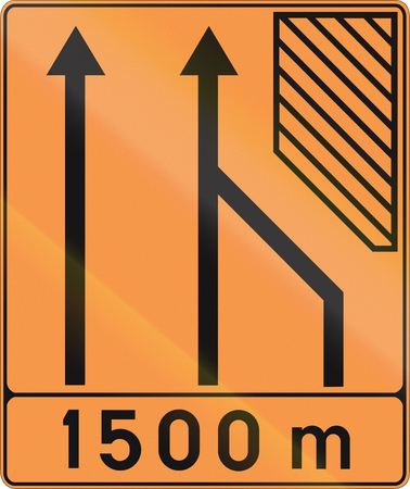 temporary: Temporary road sign used in Belgium - Lane configuration.