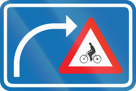 Belgian warning road sign - Watch for cyclists on right turn.