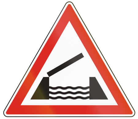 movable bridge: Hungarian warning road sign - Opening or swing bridge ahead.