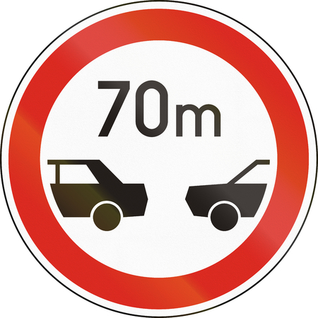 minimum: Road sign used in Hungary - Minimum distance between motor vehicles.