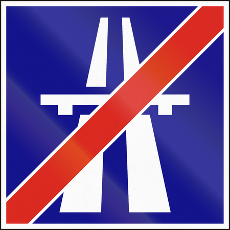 end: Hungarian informational road sign - End of motorway.