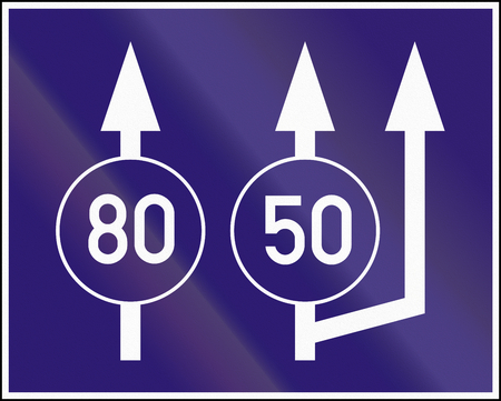 2 50: Informatory Hungarian road sign - Beginning of three lanes with minimum speeds.