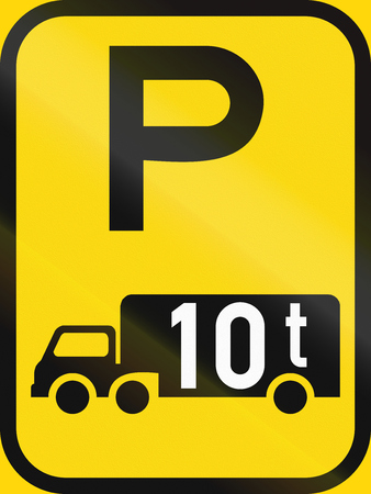 tonnes: Temporary road sign used in the African country of Botswana - Parking for goods vehicles exceeding 10 tonnes GVM. Stock Photo