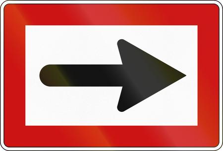 Duits binnenvaartnavigatieteken - Gebruik de juiste richting. Stockfoto - 97305499