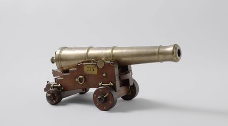Model of a 24-pounder cannon on a gun carriage, 19th century arms