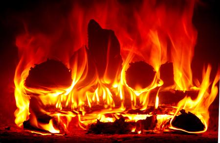 Schließe eine Flamme im Ofen. Standard-Bild - 76744768