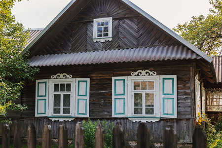 oldstyle: Old-style wooden house
