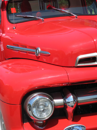 motorcar: Front of a red old timer