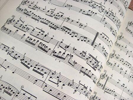 Noten, musikalischer Hintergrund - Farbfoto