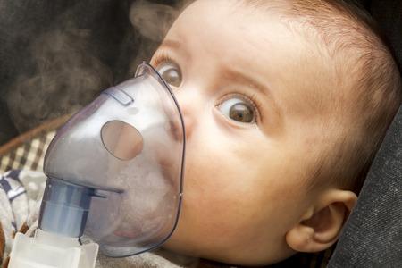 Inhalación infantil infantil menor de un año.