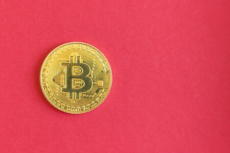 Golden Bitcoins digital virtual money on red background. copy space. Stock fotó - 138062181