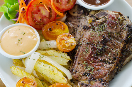 t bone: t bone steak Stock Photo