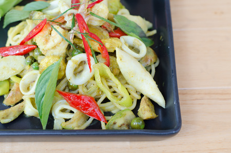 sweet and savoury: Spaghetti and Seafood Green Curry Sauce