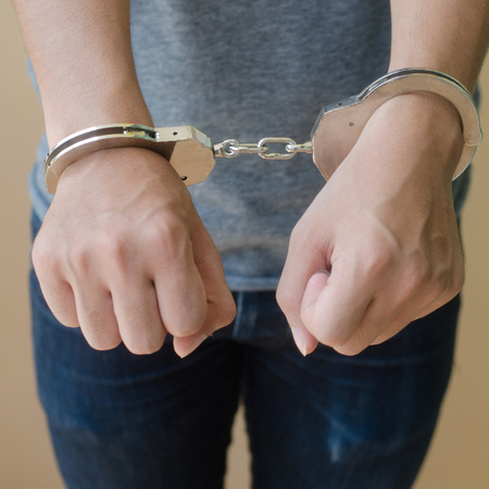shackle: hand in shackle