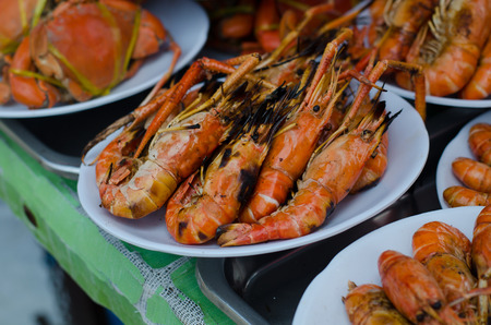 amphawa: grilled shrimp at floating market, amphawa, Thailand Stock Photo