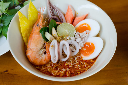 yum: Thai style noodle, tom yum kung