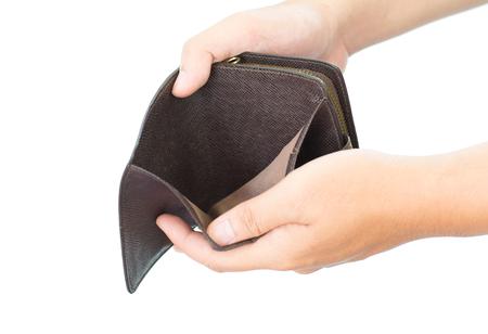 Lege die portefeuille in de handen op witte achtergrond wordt geïsoleerd