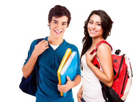 Twee jonge gelukkige studenten over witte achtergrond