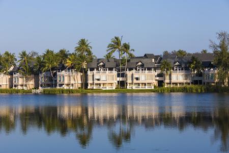 beach hotel: beach hotel